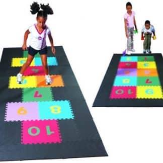 jeu de marelle enfants couleurs, à assembler numéros